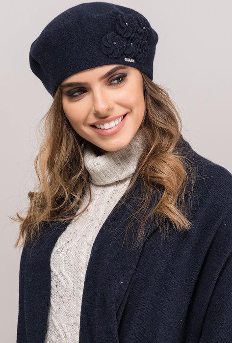 Elegancki beret z florystyczną aplikacją Rema - Gatta
